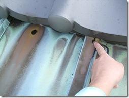 穴あき屋根の雨漏りリフォームと灯油タンク交換