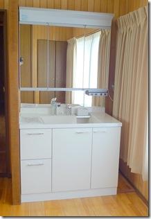 浜松市南区で築31年目のビフォーアフター – 洗面化粧台リフォーム
