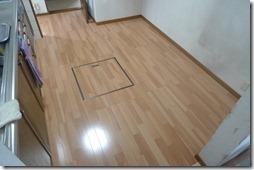 浜松市南区で痛んだリビングの床と一部外壁を張り替えリフォーム